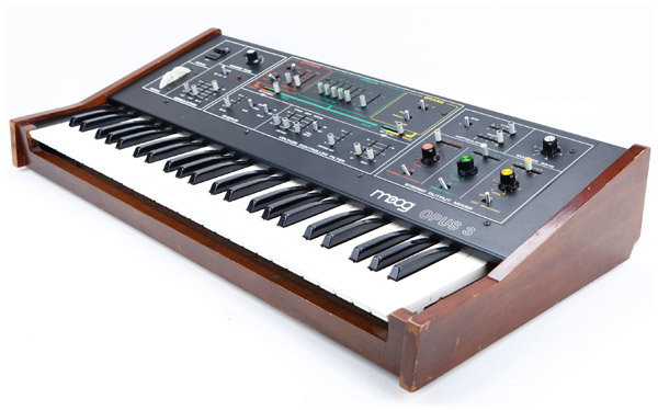 Moog Opus-3 | Vintage Synth Explorer