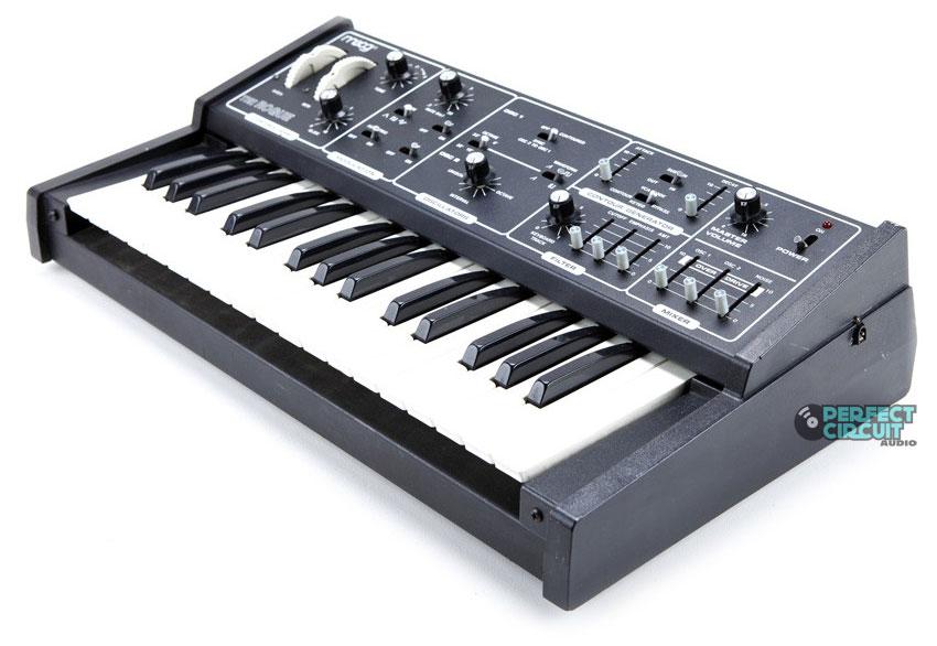 Moog Rogue | Vintage Synth Explorer