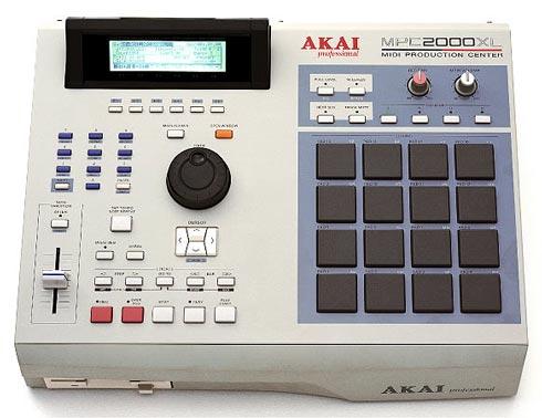 Akai MPC2000 XL - Drum Machine
