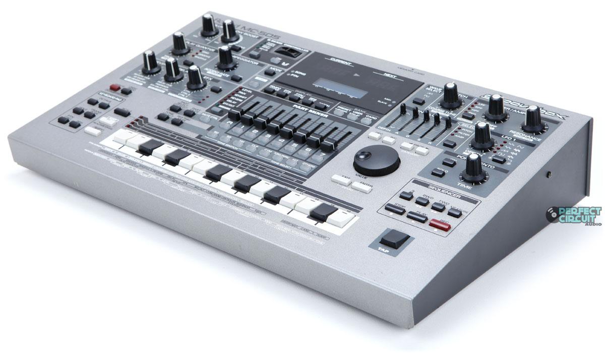 roland mc 505 synthesizer groovebox drum machine sequencer ebay. Black Bedroom Furniture Sets. Home Design Ideas