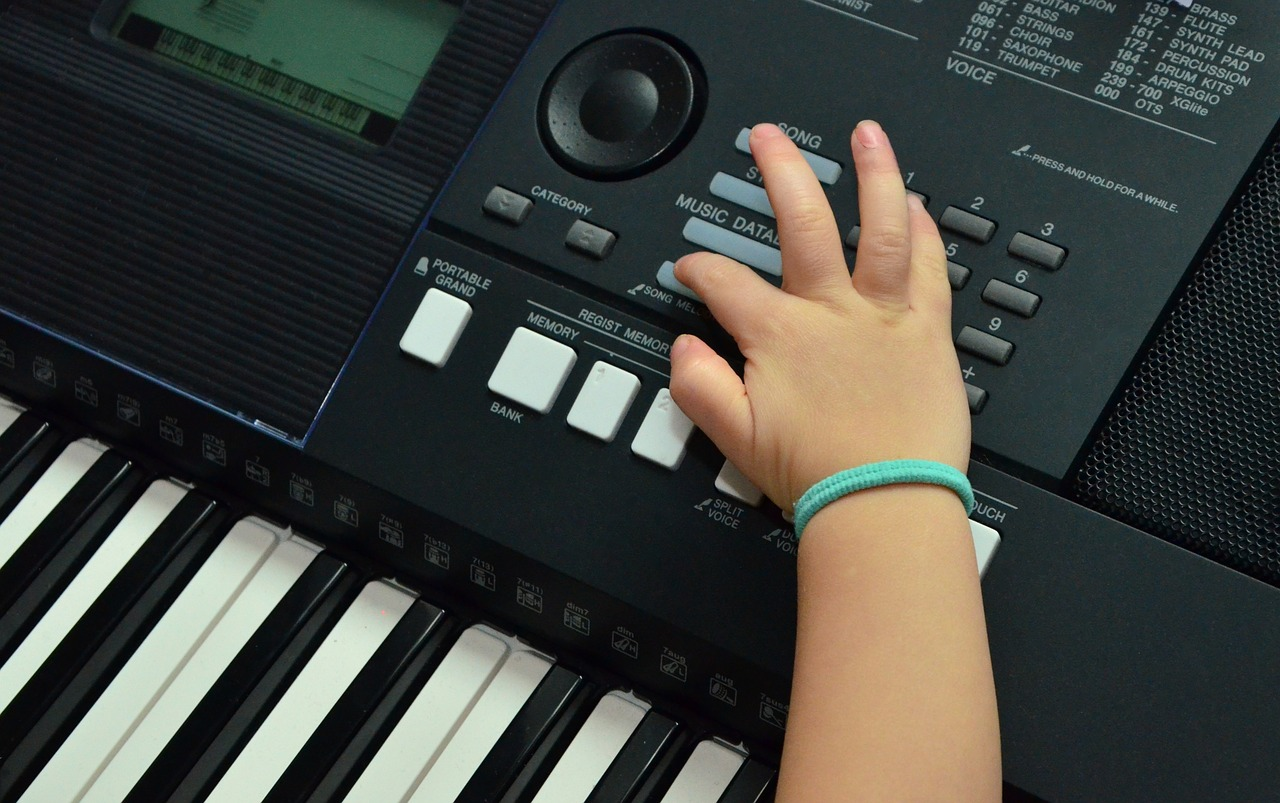 How To Get Your Kids Into Synths Vintage Synth Explorer Electronic Kits For