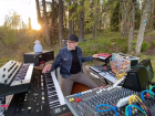 Niels Gordon Streams Live Concert From The Woods