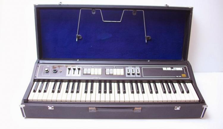 Roland RS-101 | Vintage Synth Explorer