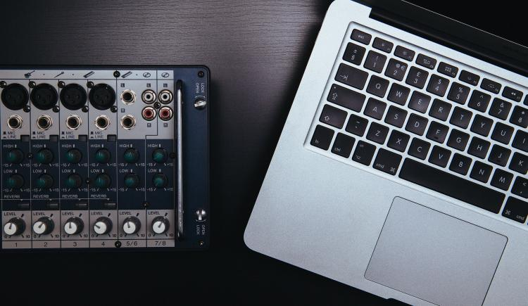 Best Portable Midi Keyboards for Mobile & Laptop Producers